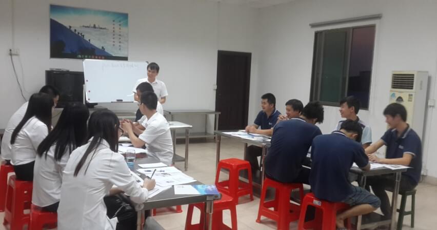 浈颖机械pvc商标自动生产线的培训
